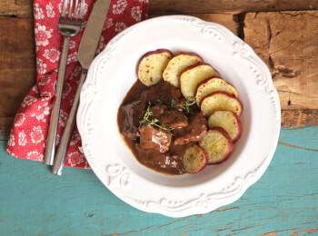 Boeuf bourguignon + batata doce no azeite