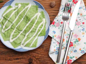 Ravioli verde com mussarela de búfala + molho béchamel