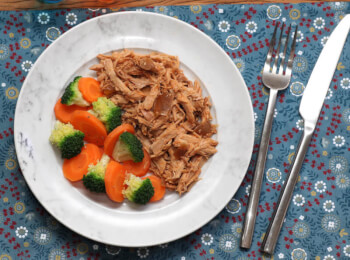 Pulled pork + Brocolis com cenoura