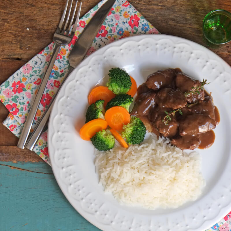 Boeuf bourguignon + arroz branco + brócolis com cenoura