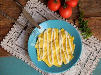 Ravioli caprese + molho béchamel