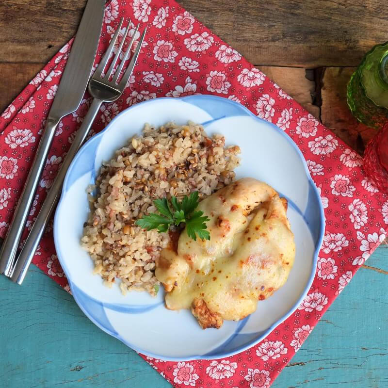 Frango parmegiana ao forno + arroz 7 grãos
