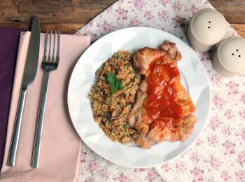 Sobrecoxa agridoce + quinoa com cranberry