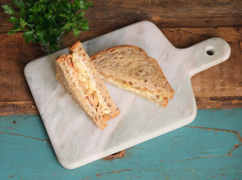 Sanduíche Pulled Pork com queijo e mostarda dijon