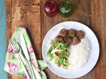 Polpette + arroz branco + salada