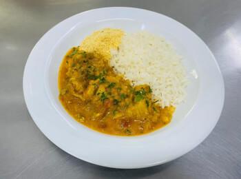 Moqueca de peixe + arroz + farofa de quinoa