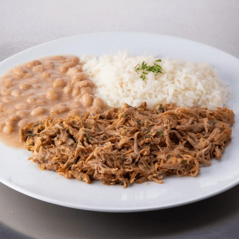 Pulled pork + arroz + feijão
