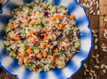 Quinoa c/ abobrinha, cenoura e cranberry