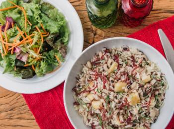 Baião de dois + salada com molho azeite e limão